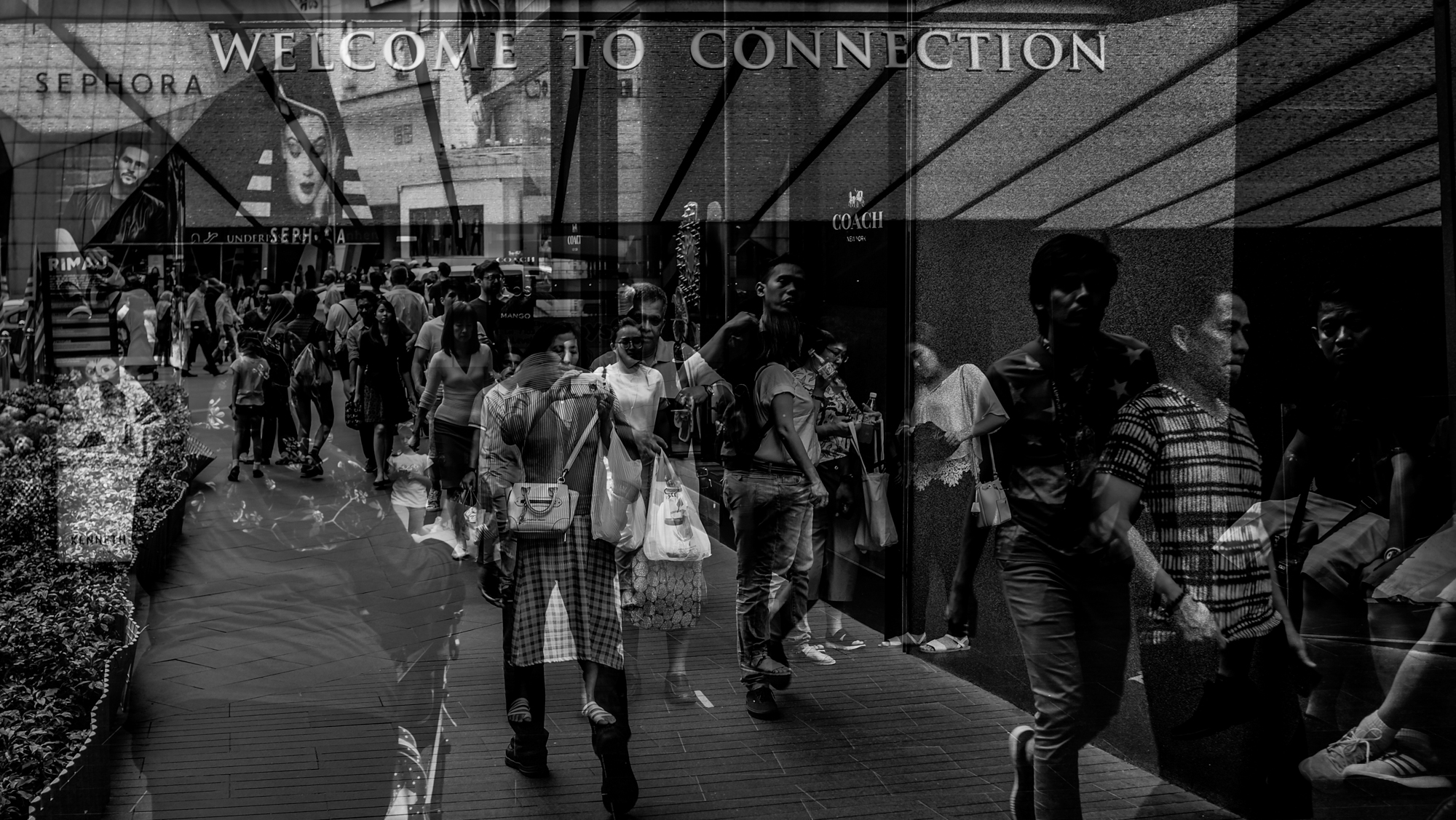 Street Documentary : Divided